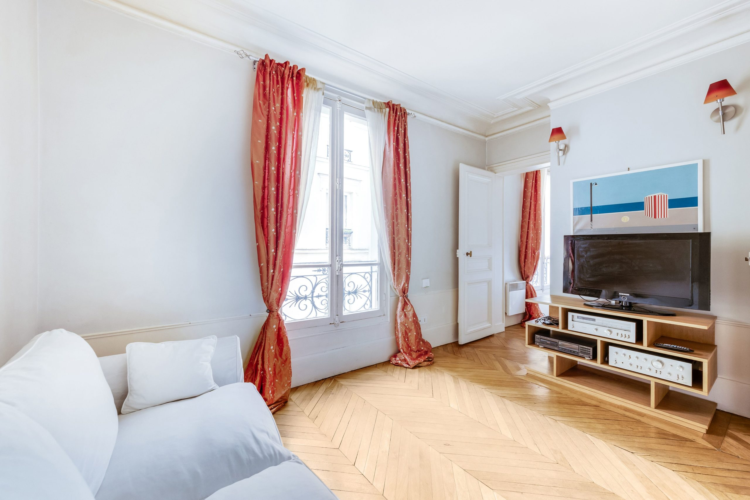 75007 – PARIS – RUE DE VERNEUIL- 3  PIECES – 4° ETAGE